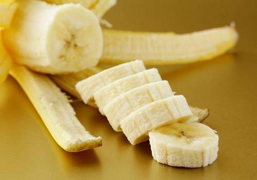 очищенный фрукт