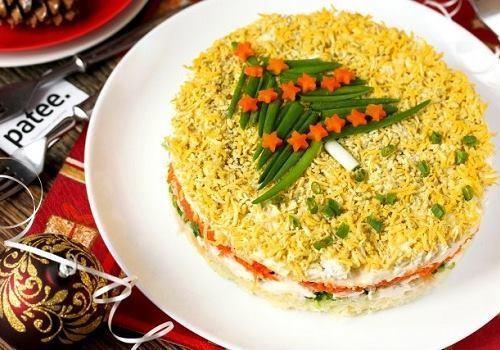 """Тарелка с салатом """"Мимоза"""""""
