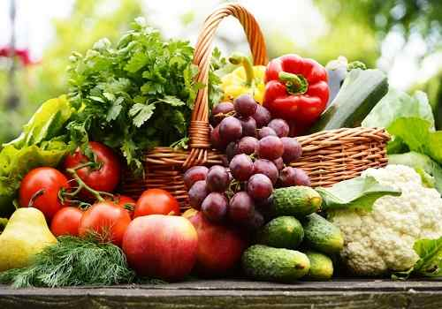 Помидоры, огурцы, перец, капуста, груша, яблоки, виноград